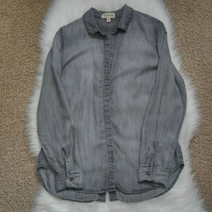 Cloth & Stone Grey Chambray Top Size M.